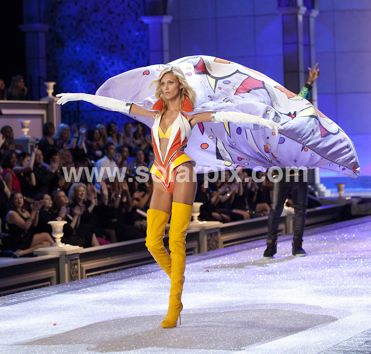 **ALL ROUND PICTURES FROM SOLARPIX.COM**                                             **SYNDICATION RIGHTS FOR UK, AUSTRALIA, DENMARK, PORTUGAL, S. AFRICA, SPAIN & DUBAI (U.A.E) & ASIA (EXCLUDING JAPAN) ONLY**                                                                                  Caption: 2011 Victoria's Secret Fashion Show  Runway and Performance at Lexington Avenue Armory in New York City, NY, USA                                                                               This pic: Model                                                                                             JOB REF:14174        PHZ/Mayer       DATE:09.11.2011                                                            **MUST CREDIT SOLARPIX.COM OR DOUBLE FEE WILL BE CHARGED**                                                                      **MUST AGREE FEE BEFORE ONLINE USAGE**                               **CALL US ON: +34 952 811 768 or LOW RATE FROM UK 0844 617 7637**