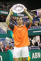 26-2-06, Netherlands, tennis, Rotterdam, Next to Federer on the rim of the stadiun Stepanek now also hase his name after winning the tournament