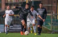 Moritz Wiemer (Goddelau) gegen Alexandru-Dorel Mihai (Gustavsburg) - 04.10.2020: Fussball Kreisliga A Germania Gustavsburg vs. TSV Goddelau