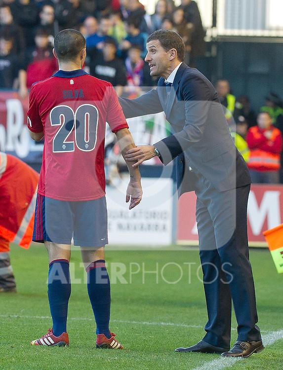 Osasuna's coach Javier Gracia (r) with Francisco Gato Silva during La Liga match.December 14,2013. (ALTERPHOTOS/Mikel)