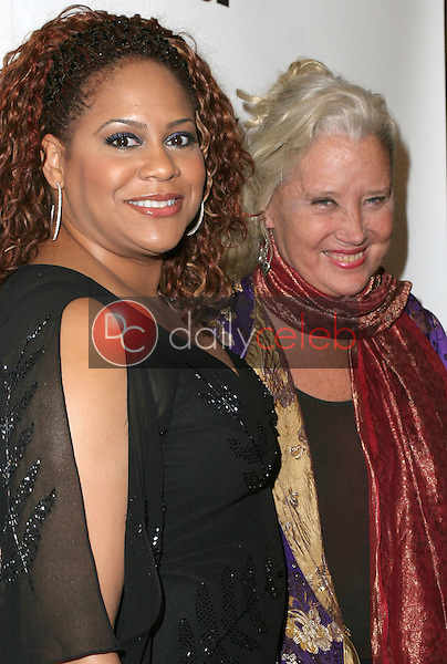 Kim Coles and Sally Kirkland<br /> at the 1st Annual Read To Succeed Literary Gala, Renaissance Hollywood Hotel, Hollywood, CA. 11/11/06<br /> Marty Hause/DailyCeleb.com 818-249-4998