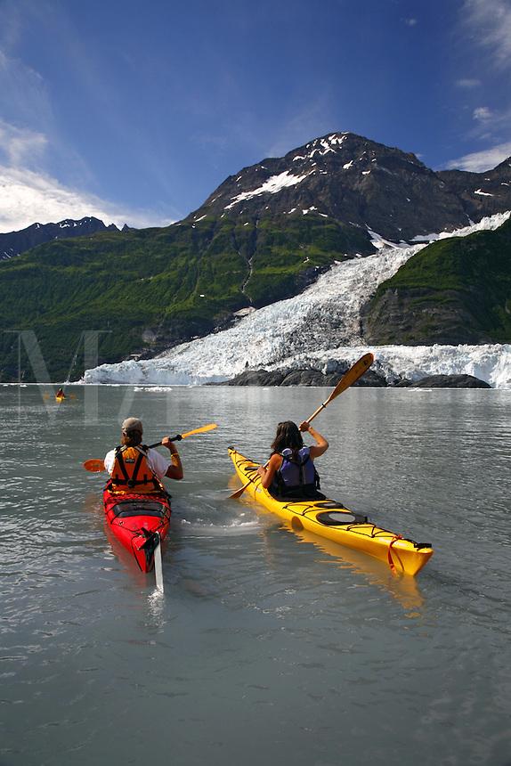 Kayaking by Cascade Glacier (l) and Barry Glacier (r)Harriman Fiord, Prince William Sound, Chugach National Forest, Alaska.