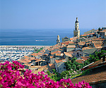 France, Côte d'Azur, Menton: View over Rooftops | Frankreich, Côte d'Azur, Menton: Blick ueber die Daecher der Stadt
