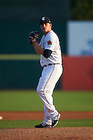 Connecticut Tigers pitcher Josh Heddinger (24) gets ready to deliver a pitch during the first game of a doubleheader against the Brooklyn Cyclones on September 2, 2015 at Senator Thomas J. Dodd Memorial Stadium in Norwich, Connecticut.  Brooklyn defeated Connecticut 7-1.  (Mike Janes/Four Seam Images)