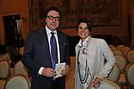 MASSIMO CALEARO CIMAN CON LA MOGLIE<br /> PREMIO GUIDO CARLI - SECONDA EDIZIONE<br /> PALAZZO DI MONTECITORIO - SALA DELLA REGINA ROMA 2011