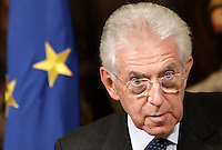 Il Presidente del Consiglio Mario Monti parla alla stampa in occasione del suo incontro col Presidente della Commissione Europea a Palazzo Chigi, Roma, 6 settembre 2012. .Italian Premier Mario Monti talks to reporters in occasion of his meeting with European Commission's President at Chigi Palace government office in Rome, 6 september 2012..UPDATE IMAGES PRESS/Riccardo De Luca