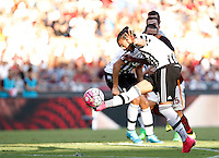 Calcio, Serie A: Roma vs Juventus. Roma, stadio Olimpico, 30 agosto 2015.<br /> Juventus' Martin Caceres kicks the ball during the Italian Serie A football match between Roma and Juventus at Rome's Olympic stadium, 30 August 2015.<br /> UPDATE IMAGES PRESS/Isabella Bonotto
