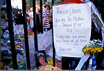 PRINCESS DIANA FLORAL TRIBUTES & HAND WRITTEN NOTE READING 'PRINCESS DIANA YOU ARE THE MOTHER THERESA OF OUR ERA - I ONLY HOPE YOU KNEW HOW MUCH WE ALL LOVED YOU, 1997