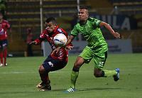 BOGOTA - COLOMBIA - 21 - 10 - 2017: Jaider Riquett (Der.) jugador de La Equidad disputa el balón conLeonardo Castro (Izq.) jugador del iIndependiente Medellín, durante partido entre La Equidad y el Indeendiente Medellín,  por la fecha 16 de la Liga Aguila II-2017, jugado en el estadio Metropolitano de Techo de la ciudad de Bogota. / Jaider Riquett (R) player of La Equidad vies for the ball with Leonardo Castro (L) player of Independiente Medellin, during a match between La Equidad and Indepndiente Medellin, for the  date 16nd of the Liga Aguila II-2017 at the Metropolitano de Techo Stadium in Bogota city, Photo: VizzorImage  /Felipe Caicedo / Staff.