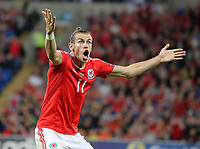 Gareth Bale of Wales protests to the linesman for not awarding a corner kick during the FIFA World Cup Qualifier Group D match between Wales and Austria at The Cardiff City Stadium, Cardiff, Wales, UK. Saturday 02 September 2017
