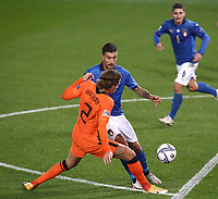 Football: Uefa Nations League Group A match Italy vs Netherlands at Gewiss stadium in Bergamo, on October 14, 2020.<br /> Italy's Lorenzo Pellegrini (r) in action with Netherlands' Hans Hateboer (l) during the Uefa Nations League match between Italy and Netherlands at Gewiss stadium in Bergamo, on October 14, 2020. <br /> UPDATE IMAGES PRESS/Isabella Bonotto