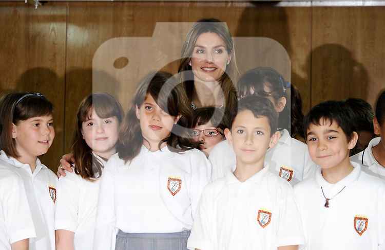 MADRID (26/04/2010).- Princess Letizia of Spain visits the Joaquin Blume school in Torrejon de Ardoz...Photo: Pool Carlos Alvarez / ALFAQUI