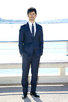 Hidetoshi Nishijima lors de son photocall pour CRISIS pendant le MIPTV a Cannes, le mardi 4 avril 2017.
