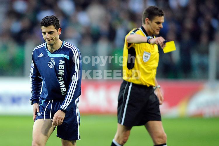 voetbal fc groningen - ajax erediivisie seizoen 2007-2008 16-04-2008  .bruno silva krijgt geel.fotograaf Jan Kanning
