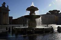 CoviTime.<br /> Roma al tempo del Coronavirus, scene di vita quotidiana a Piazza San Pietro.<br /> Rome at the time of the Coronavirus, images of daily life in Saint Peter Square.