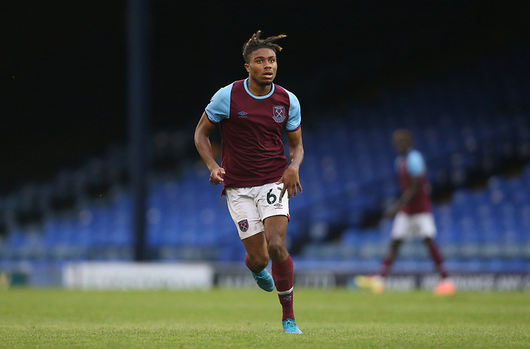 West Ham United's Ossama Ashley<br /> <br /> Photographer Rob Newell/CameraSport<br /> <br /> EFL Trophy Southern Section Group A - Southend United v West Ham United U21 - Tuesday 8th September 2020 - Roots Hall - Southend-on-Sea<br />  <br /> World Copyright © 2020 CameraSport. All rights reserved. 43 Linden Ave. Countesthorpe. Leicester. England. LE8 5PG - Tel: +44 (0) 116 277 4147 - admin@camerasport.com - www.camerasport.com