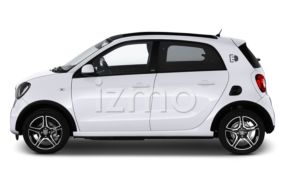 Car driver side profile view of a 2018 Smart forfour Passion 5 Door Hatchback