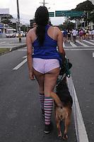 """MEDELLÍN - COLOMBIA, 09-02-2014. El 'Día sin Pantalones' se celebró hoy, 9 de febrero de 2014, por las calles de Medellín y fue liderada por un grupo de jóvenes que se inspiraron en el 'Día sin pantalones en el Metro' en Nueva York./ The ' Day without Pants' was celebrated today, February 9 of 2014,  through the streets of Medellin and was led by young group people who were inpired by """"No Pants Subway Raid"""" in New York.  Photo: VizzorImage/Luis Rios/STR"""