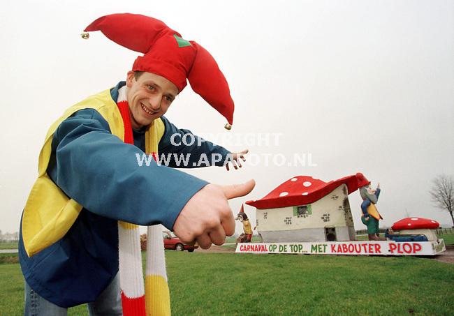 wijnbergen,01-02-99  foto:Koos Groenewold (APA-FOTO)<br />Willie Jan Thomassen,carnavalvierder.<br /><br />LS 3/4  Oogst  6  carnaval     apa<br /><br />Is voor de jongerenpagina Risters.
