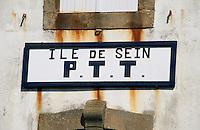 Europe/France/Bretagne/29/Finistère/Ile de Sein: Détail de l'enseigne de la poste
