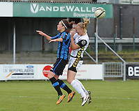 Club Brugge Dames - Telstar Ijmuiden : duel tussen Charlotte Laridon (links) en Stefanie Van Der Gragt<br /> foto Dirk Vuylsteke / nikonpro.be