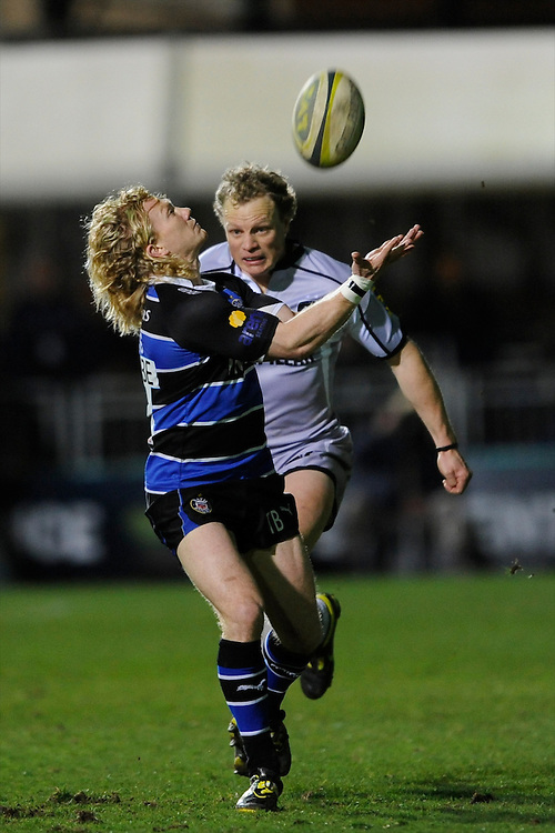 Scott Hamilton of Leicester Tigers (right) chases down Tom Biggs of Bath Rugby during the LV= Cup semi final match between Bath Rugby and Leicester Tigers at The Recreation Ground, Bath (Photo by Rob Munro, Fotosports International)