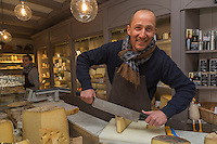 Europe/France/Bretagne/56/Morbihan/Vannes: Olivier Régent  - Fromagerie de Kérouzine   [Non destiné à un usage publicitaire - Not intended for an advertising use]