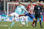 Atletico de Madrid's Augusto Fernandez (r) and PSV Eindhoven's Andres Guardado during UEFA Champions League match. March 15,2016. (ALTERPHOTOS/Acero)