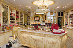 France, Provence-Alpes-Côte d'Azur, Nice: confectionary and candy store Henri Auer - interior | Frankreich, Provence-Alpes-Côte d'Azur, Nizza: Patisserie und Confiserie Henri Auer - Innenansicht