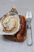 Europe/France/Aquitaine/40/Landes/Dax: Repas chez Madame Aimé, Boucherie: Maison Aimé, Huîtres saucisses
