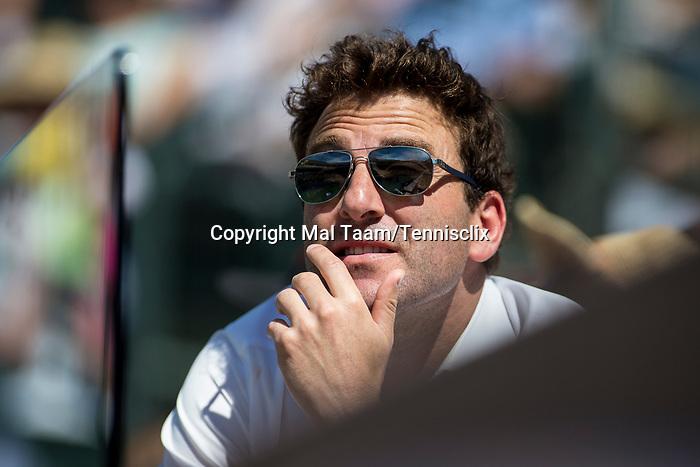 March 11, 2018: Justin Gimelstob, John Isner's coach,  watches as Gael Monfils (FRA) defeated John Isner (USA) 6-7, 7-6, 7-5 at the BNP Paribas Open played at the Indian Wells Tennis Garden in Indian Wells, California. ©Mal Taam/TennisClix/CSM