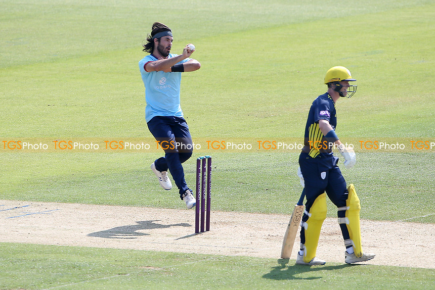 Shane Snater in bowling action for Essex during Hampshire Hawks vs Essex Eagles, Royal London One-Day Cup Cricket at The Ageas Bowl on 22nd July 2021