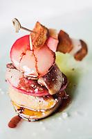 Europe/France/Aquitaine/24/Dordogne/Saint-Romain & Saint-Clement : Mille feuille de foie gras aux brugnons, recette de Catherine Pin au Manoir de Bigeau- Le Bigeau
