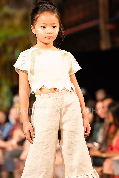#arthearts, #nyfw, Angel Orensanz, Alexandra Bujan at  ArtHearts New York Fashion Week SS19 , moda, Runway Show