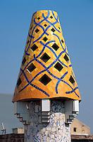 Spanien, Katalonien, Barcelona, Palau Güell von Antoni Gaudi, Schornstein, Unesco-Weltkulturerbe