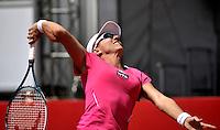 BOGOTA - COLOMBIA - FEBRERO 19: Catalina Castaño de Colombia, devuelve la bola a Lourdes Dominguez Lino de España, durante partido por la Copa de Tenis WTA Bogotá, febrero 19 de 2013. (Foto: VizzorImage / Luis Ramírez / Staff). Catalina Castaño from Colombia returns the ball to Lourdes Dominguez Lino from Spain during a match for the WTA Bogota Tennis Cup, on February 19, 2013, in Bogota, Colombia. (Photo: VizzorImage / Luis Ramirez / Staff) ...........
