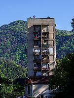Wohnblock in Akhaldaba am Fluss Mtkavari - Kura, Samzche-Dschawacheti, Georgien, Europa<br /> Block of flats in Akhaldaba, Samzche-Dschawacheti,  Georgia, Europe
