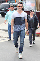 Kevin Jonas out for lunch_Paparazzi
