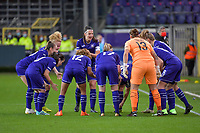 Team Anderlecht and the pep talk of Anderlecht defender Laura De Neve (8) pictured before a female soccer game between RSC Anderlecht Dames and Portugese Benfica Ladies  in the second qualifying round for the Uefa Womens Champions League of the 2020 - 2021 season , Wednesday 18 th of November 2020  in ANDERLECHT , Belgium . PHOTO SPORTPIX.BE | SPP | STIJN AUDOOREN