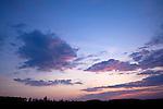 Europa, DEU, Deutschland, Nordrhein Westfalen, NRW, Sauerland, Wenden, Wolken, Sonnenaufgang, Kategorien und Themen, Natur, Umwelt, Landschaft, Jahreszeiten, Stimmungen, Landschaftsfotografie, Landschaften, Landschaftsphoto, Landschaftsphotographie, Wetter, Himmel, Wolken, Wolkenkunde, Wetterbeobachtung, Wetterelemente, Wetterlage, Wetterkunde, Witterung, Witterungsbedingungen, Wettererscheinungen, Meteorologie, Bauernregeln, Wettervorhersage, Wolkenfotografie, Wetterphaenomene, Wolkenklassifikation, Wolkenbilder, Wolkenfoto<br /> <br /> [Fuer die Nutzung gelten die jeweils gueltigen Allgemeinen Liefer-und Geschaeftsbedingungen. Nutzung nur gegen Verwendungsmeldung und Nachweis. Download der AGB unter http://www.image-box.com oder werden auf Anfrage zugesendet. Freigabe ist vorher erforderlich. Jede Nutzung des Fotos ist honorarpflichtig gemaess derzeit gueltiger MFM Liste - Kontakt, Uwe Schmid-Fotografie, Duisburg, Tel. (+49).2065.677997, archiv@image-box.com, www.image-box.com]