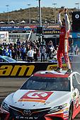 Monster Energy NASCAR Cup Series<br /> Can-Am 500<br /> Phoenix Raceway, Avondale, AZ USA<br /> Sunday 12 November 2017<br /> Matt Kenseth, Joe Gibbs Racing, Circle K Toyota Camry celebrates after winning <br /> World Copyright: Logan Whitton<br /> LAT Images