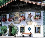 Germany, Upper Bavaria, Werdenfelser Land, Wallgau: historic Inn - Hotel zur Post | Deutschland, Bayern, Oberbayern, Werdenfelser Land, Wallgau: historisches Wirtshaus Hotel zur Post