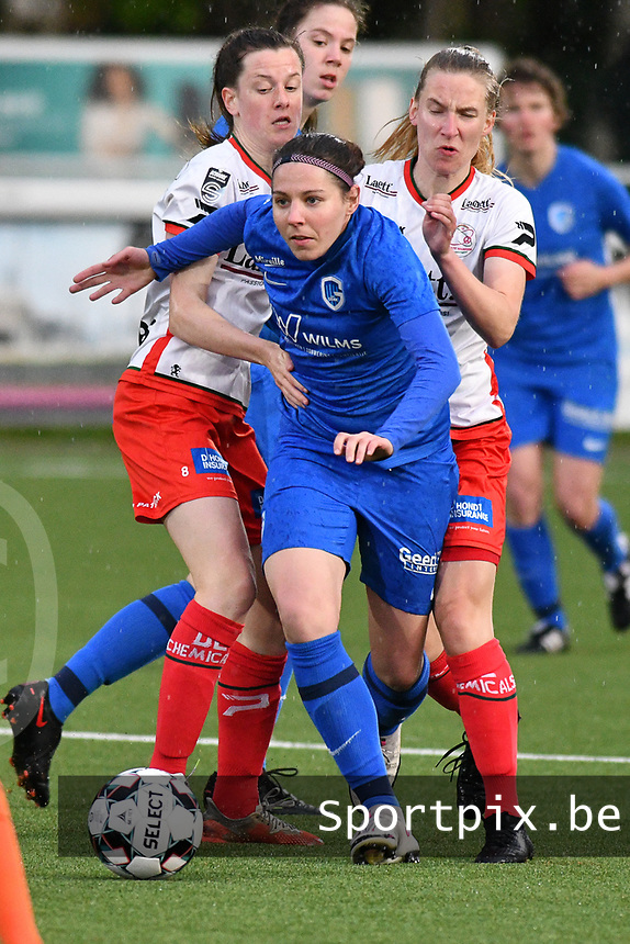 Lorene Martin (6) of KRC Genk with Summer Rogiers (8) of Zulte Waregem and Laura Vervacke (20) of Zulte Waregem pictured during a female soccer game between  Racing Genk Ladies and SV Zulte-Waregem on the 7 th matchday of play off 2 in the 2020 - 2021 season of Belgian Scooore Womens Super League , friday 14 th of May 2021  in Genk , Belgium . PHOTO SPORTPIX.BE | SPP | JILL DELSAUX