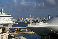 AJ2328, cruise ship, Puerto Rico, San Juan, Caribbean, Porto Rico, Caribbean Islands, Cruise ships docked in the harbor of San Juan in Puerto Rico. Skyline of the city in the distance.