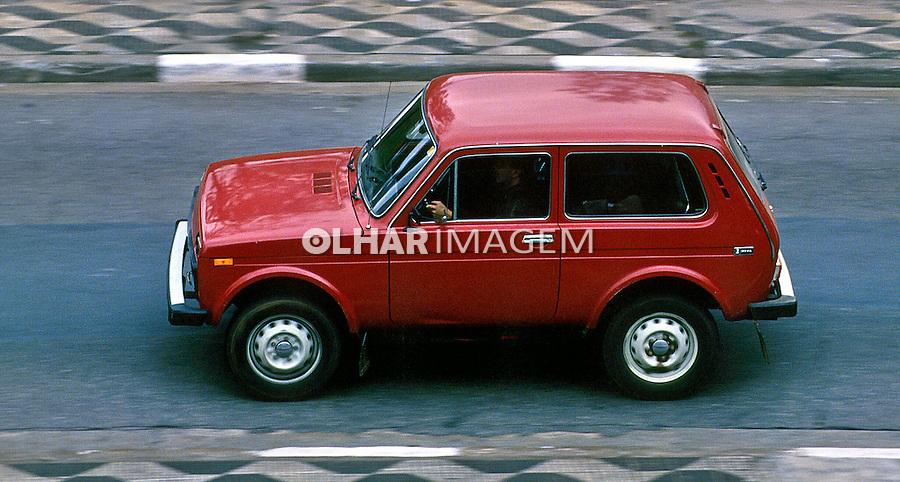 Automóvel importado Niva. SP. Foto de Juca Martins.