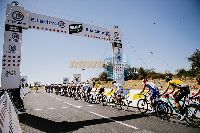 The lead group including Yellow Jersey Adam Yates (GBR) Mitchelton-Scott summit a Cat3 climb during Stage 7 of Tour de France 2020, running 168km from Millau to Lavaur, France. 4th September 2020.<br /> Picture: ASO/Pauline Ballet | Cyclefile<br /> All photos usage must carry mandatory copyright credit (© Cyclefile | ASO/Pauline Ballet)