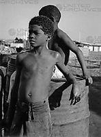 Fischerkinder bei Cumana, Venezuela 1970er Jahre. Fishermen children of Cumana, Venezuela 1970s.