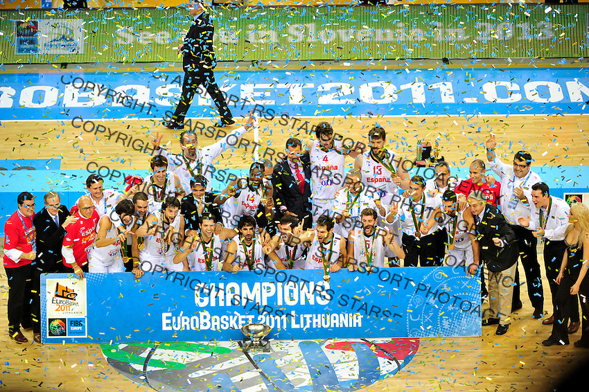 Victory ceremony, Spain, Fernando Reyes, final Eurobasket 2011 game between Spain and France in Kaunas, Lithuania, Sunday, September 18, 2011. (photo: Pedja Milosavljevic)