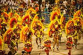 Imperatriz Leopolinense Samba School, Carnival, Rio de Janeiro, Brazil, 26th February 2017. Samba school dancers wearing the giant ceremonial cocaa feather headdresses of the Kayapo.