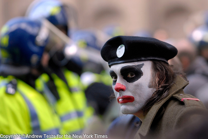 UK. London. 1st April 2009.. A demonstrator at the G20 meltdown at the bank of england.©Andrew Testa for the New York times